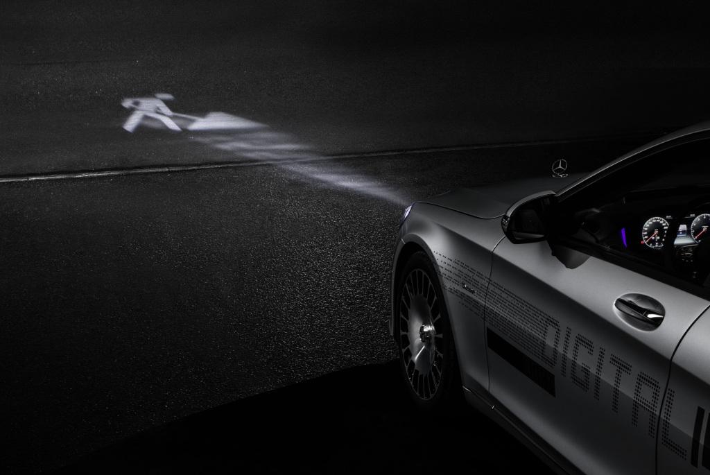 Foto Mercedes- Benz DIGITAL LIGHT