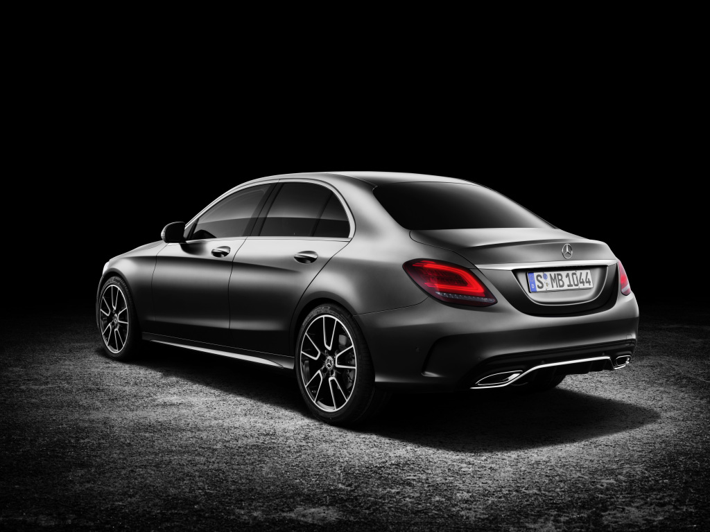 Foto Bilder Mercedes-Benz C-Klasse Limousine AMG-Line, Exterieur: designo selenitgrau magno, Interieur: Leder platinweiß pearl/schwarz