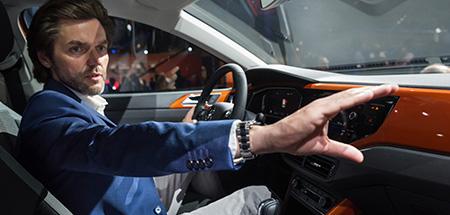 Foto Tomasz Bachorski im neuen Polo R-Line in Energetic Orange