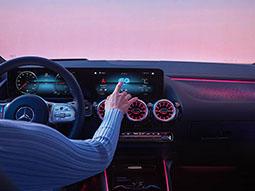 Die Armatur des Mercedes-Benz EQA