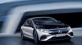 Frontansicht des Mercedes-Benz EQS