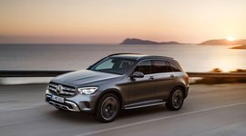 Mercedes-Benz GLC SUV unterwegs