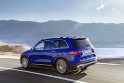 Mercedes-Benz GLB: Heckansicht in blau