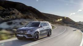 Mercedes-Benz GLS auf kurvenreicher Straße