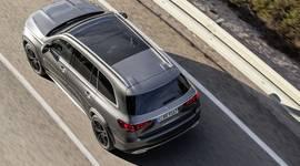 Mercedes-Benz GLS - Topansicht auf der Straße
